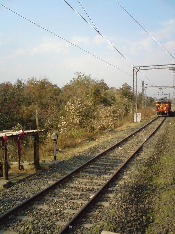 Пассажирский поезд в Индии
