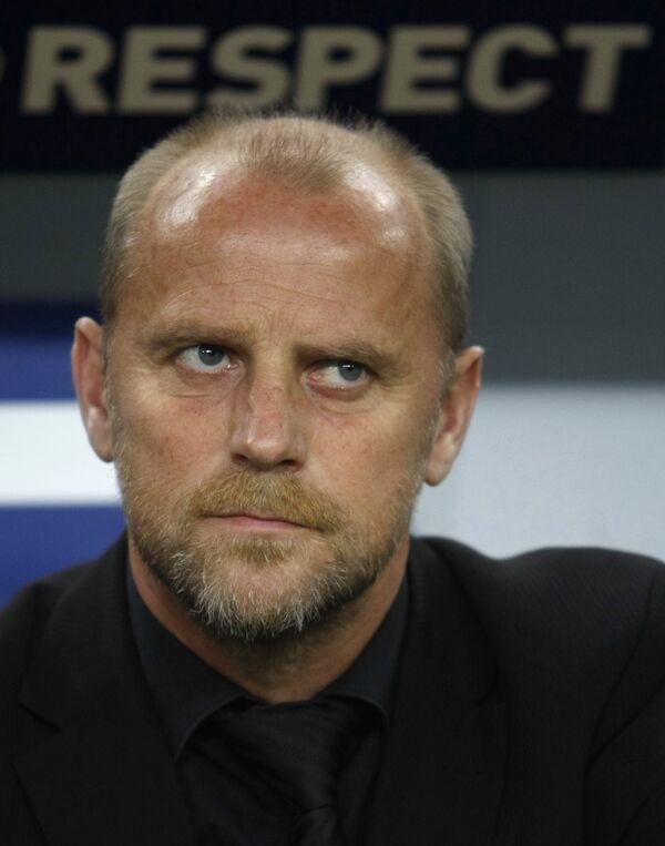 Главный тренер Вердера Томас Шааф во время матча против Гамбурга в полуфинале Кубка УЕФА
