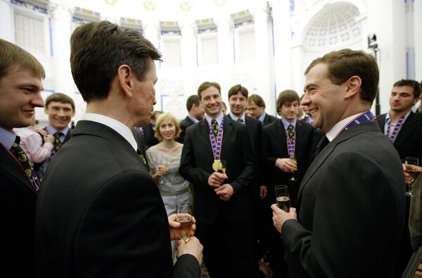 Президент России Дмитрий Медведев встретился с игроками сборной России по хоккею