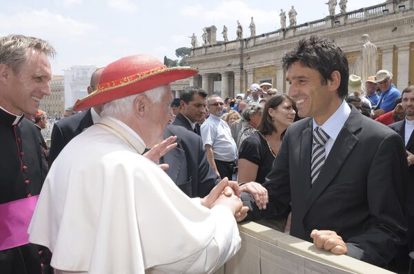 Папа Римский принял главного судью финального матча Лиги чемпионов