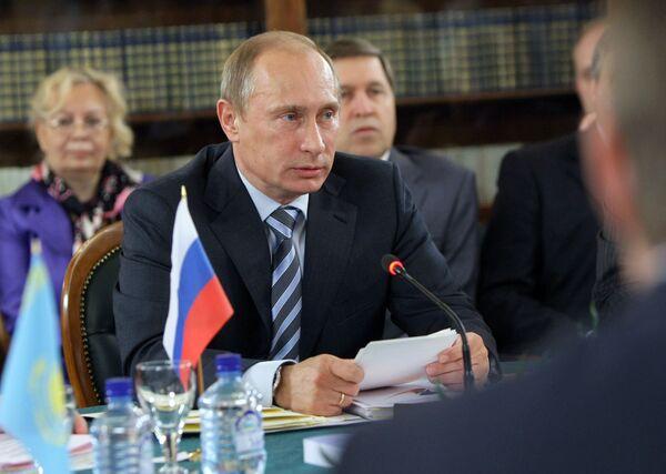 Заседание Высшего органа таможенного союза России, Белоруссии и Казахстана на уровне глав правительств в Москве. Архив