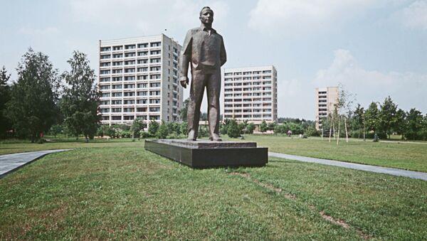 Памятник Ю.Гагарину в Звездном городке. Архивное фото