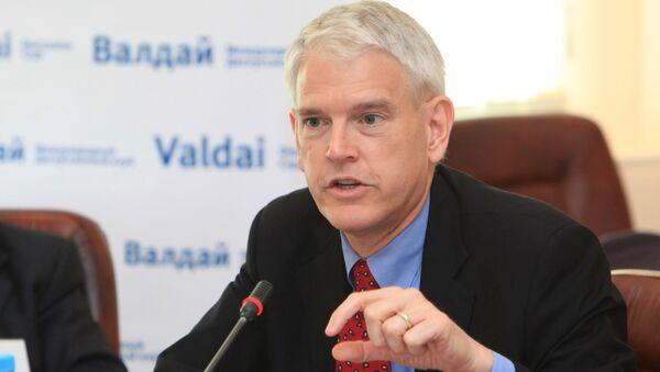 Экс-посол США на Украине Стивен Пайфер. Архивное фото