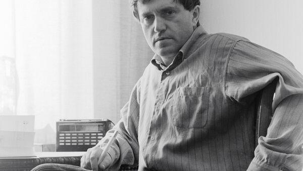 Писатель Василий Аксенов. Архивное фото. 1970 год