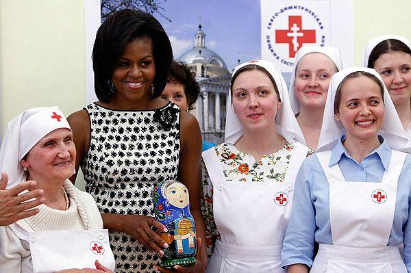 Супруга президента США Мишель Обама посетила Свято-Димитриевское Сестричество сестер милосердия в Москве