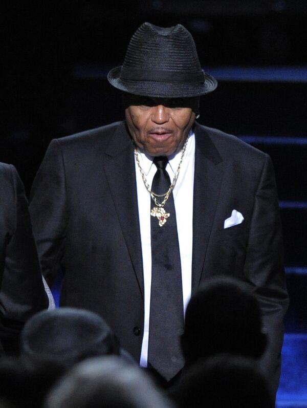 Отец Майкла Джексона Джо Джексон на церемонии прощания