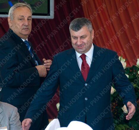 Президент Абхазии Сергей Багапш и президент Южной Осетии Эдуард Кокойты