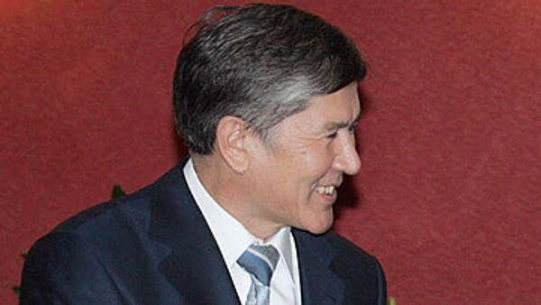 Оппозиционный кандидат Алмазбек Атамбаев