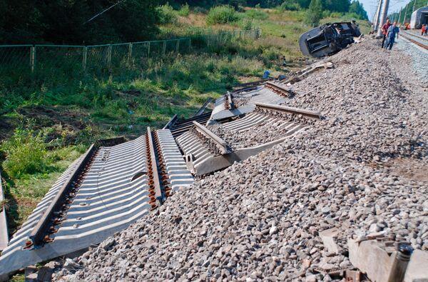 Ремонтные бригады начали восстановление железной дороги в Дагестане
