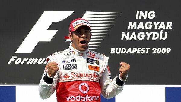 Льюис Хэмилтон празднует победу на Гран-при Венгрии