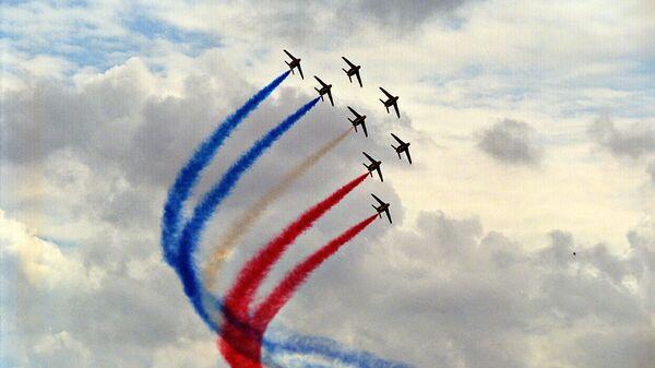 Выступление пилотажной группы Патруль де Франс