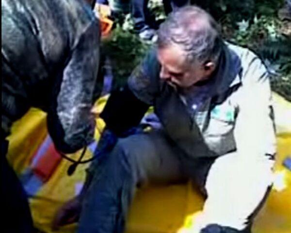 Одного из выживших в столкновении Су-27 пилотов снимали с дерева