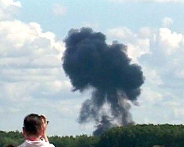 Су-27 рухнул во время авиашоу в Польше. Видео с местра трагедии