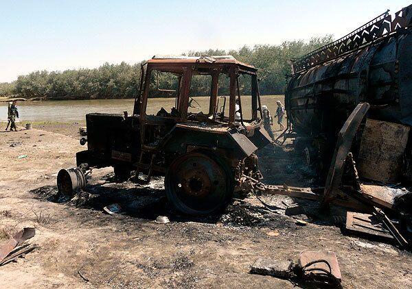 В результате бомбардировки авиацией НАТО погибли 90 человек, включая 40 мирных граждан