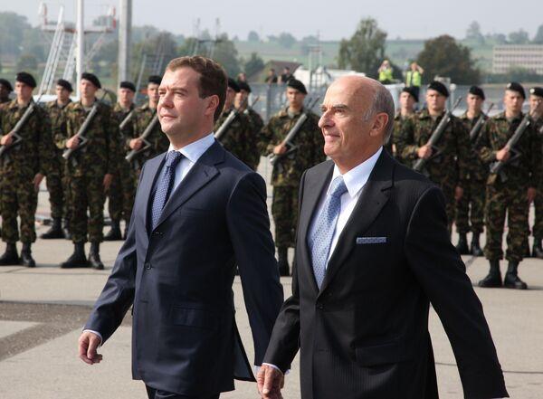 Президент РФ Дмитрий Медведев и президент Швейцарской Конфедерации Ханс-Рудольф Мерц