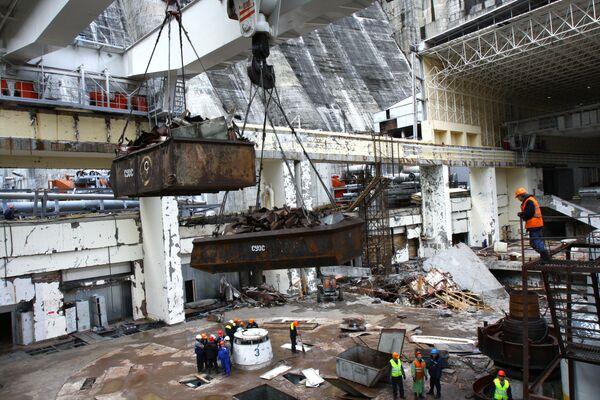 Продолжается ликвидация последствий аварии на Саяно-Шушенской ГЭС