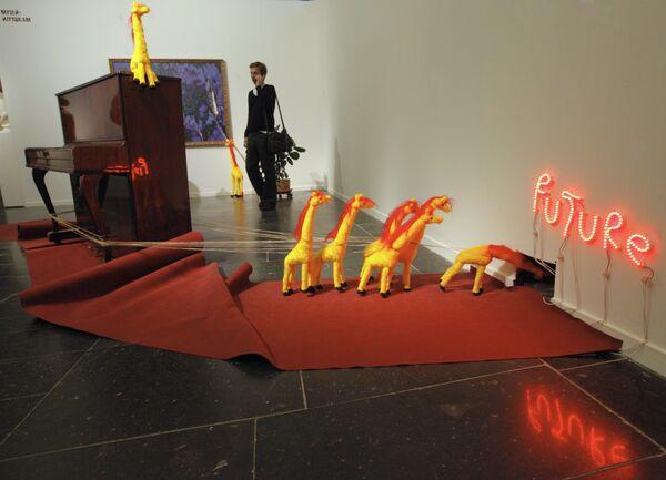Выставка Не игрушки?! в Третьяковской галерее на Крымском валу