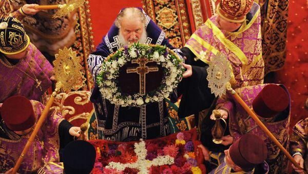 Патриарх Кирилл совершил утреню с чином Воздвижения Креста Господня в Полоцком Спасо-Евфросиниевском женском монастыре