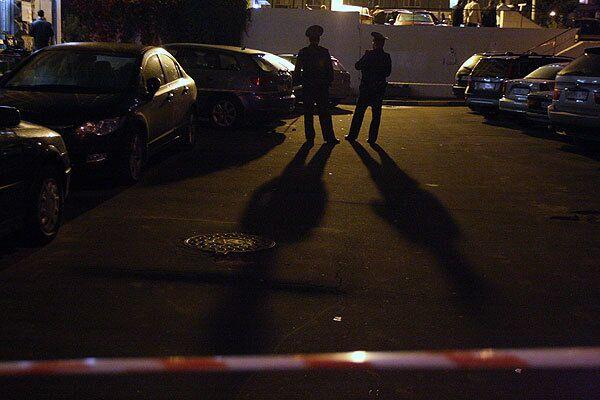 Один милиционер убит, один ранен при задержании грабителей в Мытищах
