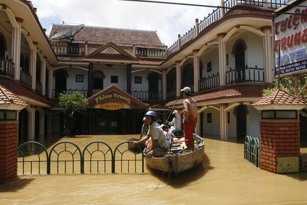 Тайфун-убийца Кетсана на Филиппинах, во Вьетнаме, Камбодже и Лаосе