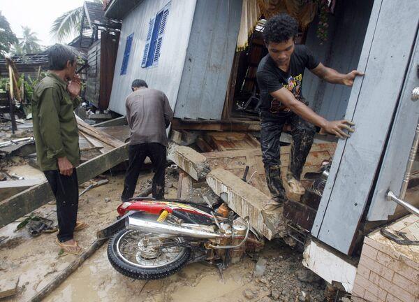 Последствия тайфуна Кетсана в Камбодже