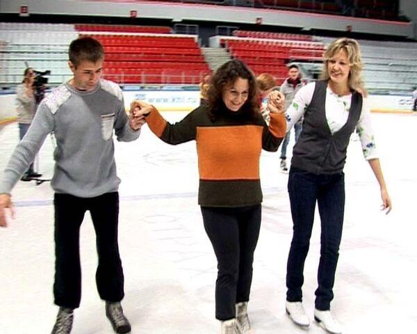 Финалисты конкурса Учитель года-2009 сменили указку на коньки