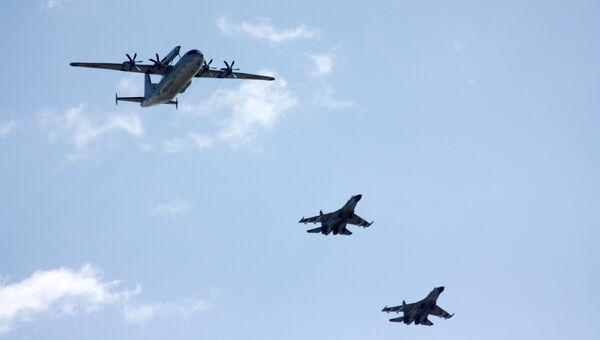 Китайская пилотажная группа. Архивное фото