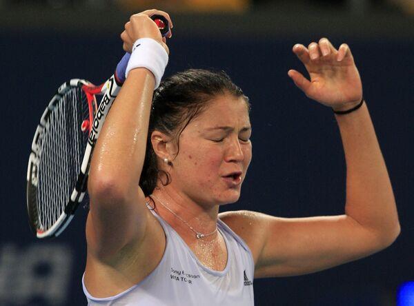 Сафина снялась с турнира в Дохе и не завершит год первой ракеткой мира