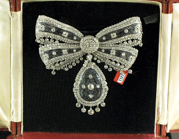 Бриллиантовая брошь от Картье начала прошлого века