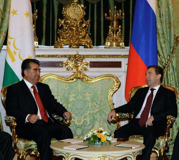 Беседа президента РФ Дмитрия Медведева и президента Таджикистана Эмомали Рахмона