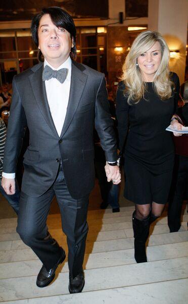 Модельер Валентин Юдашкин с супругой Мариной