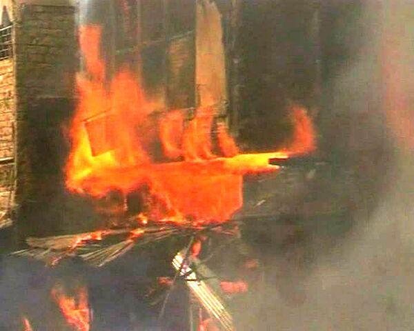 Мощный взрыв на пакистанском рынке: более 80 человек убиты