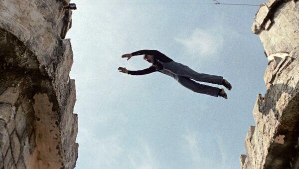 Каскадер выполняет опасный трюк на съемках фильма киностудии Мосфильм. Архивное фото