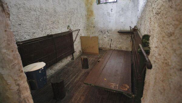 В тюрьме. Архив