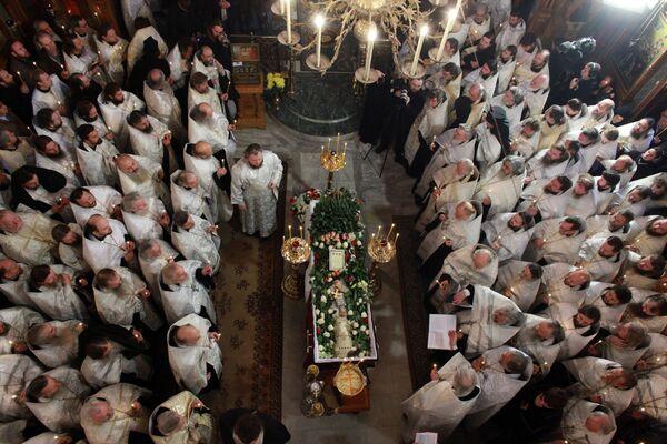Отпевание иерея Даниила в храме святых апостолов Петра и Павла в Ясеневе