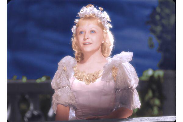 Кадр из фильма Золушка в цвете