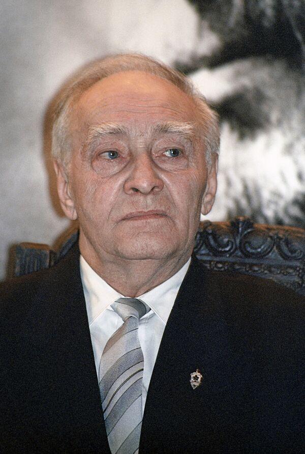 Артист Вячеслав Тихонов