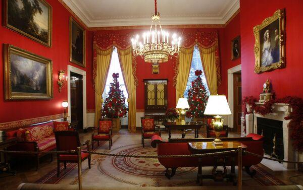 Рождественские украшения в Белом доме в Вашингтоне