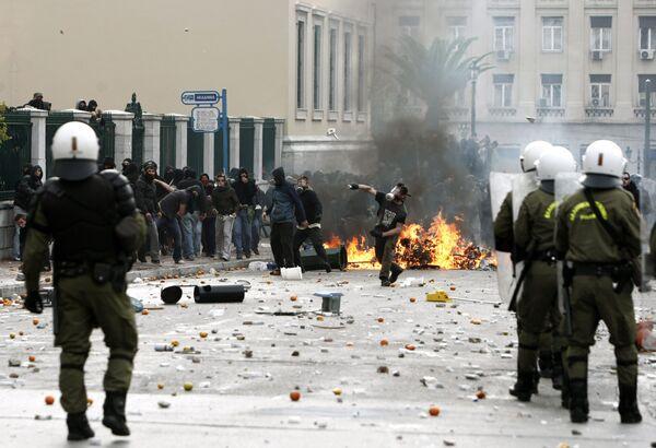 Греческие анархисты взяли ответственность за взрыв у парламента