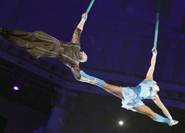 Гимнасты Юлия и Александр Волковы