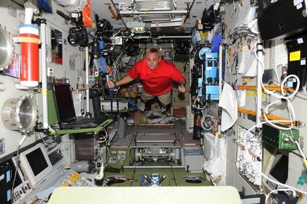 Уровень шума на МКС вполне приемлем, считает космонавт Сураев