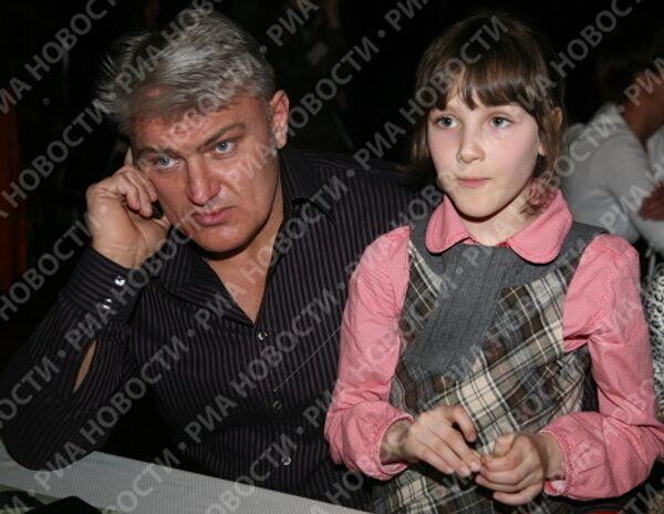 Телеведущий Владимир Турчинский с дочерью Ксенией