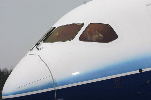 Бомба не обнаружена в самолете, на борту которого задержан нигериец