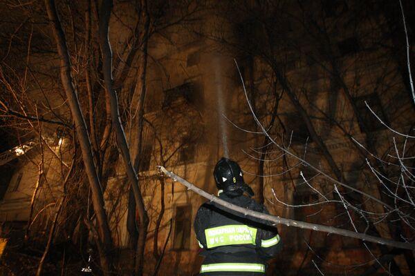Пожар в автосервисе на северо-востоке Москвы потушен