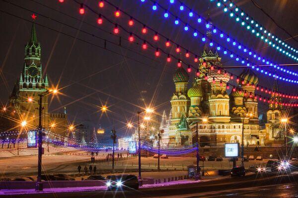 Вид с Большого Москворецкого моста на Красную площадь