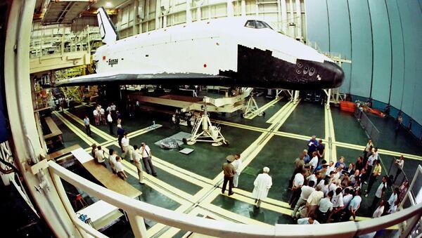 Советский орбитальный корабль Буран отмечает двадцать пять лет полета