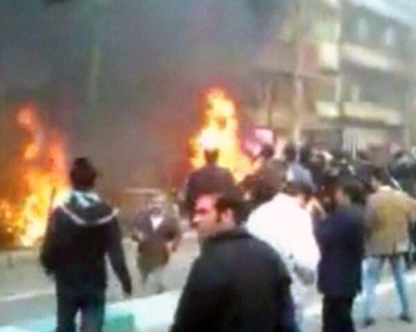 Оппозиция громит Тегеран. Видео с места событий