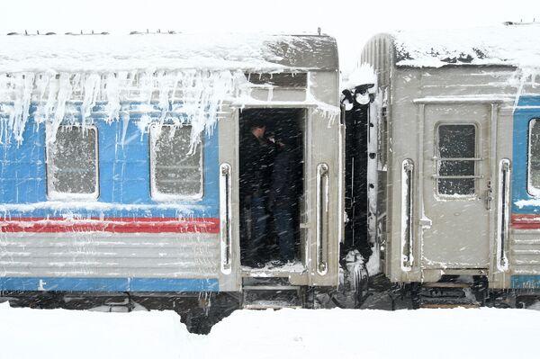 Спасательный поезд на железнодорожной станции Взморье