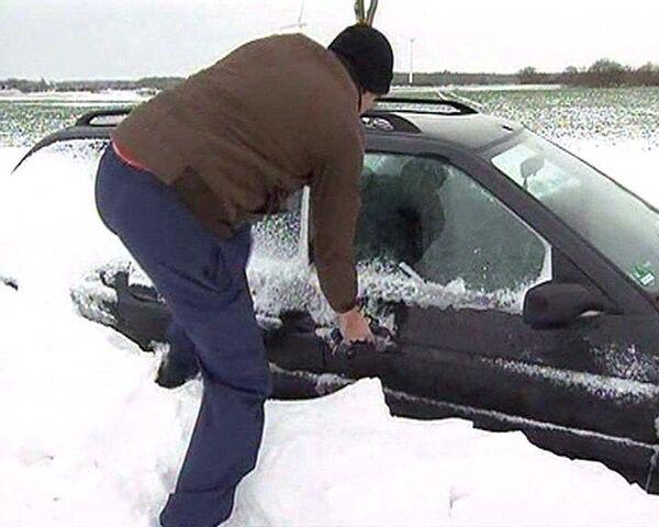 Снегопады в Европе привели к транспортному коллапсу
