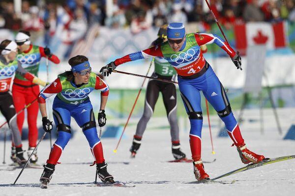 Российские лыжницы Ирина Хазова (справа) и Наталья Коростелева
